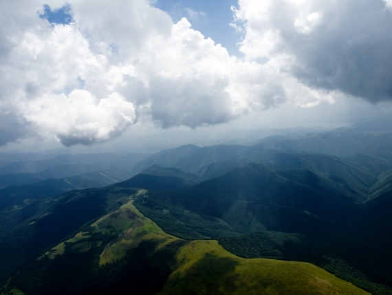 Borzhava w poziomu podstawy chmur (2100m)