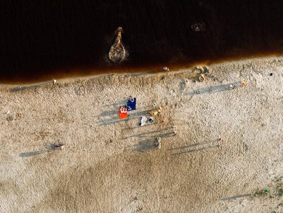 Plażowicze - zbiornik małej retencji Nisko-Podwolina (ujęcie orto z lotu ptaka)