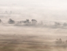 Jesienne mgły z lotu ptaka.