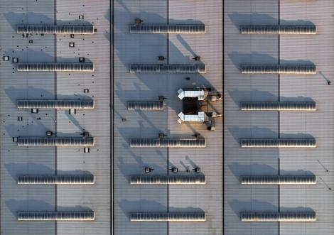 Dach hali produkcyjnej w Nisku